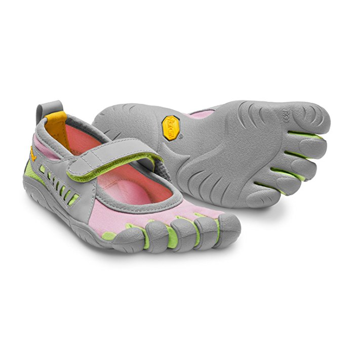 Celebrities may wear Vibram Five Fingers Shoes, but I still don't.