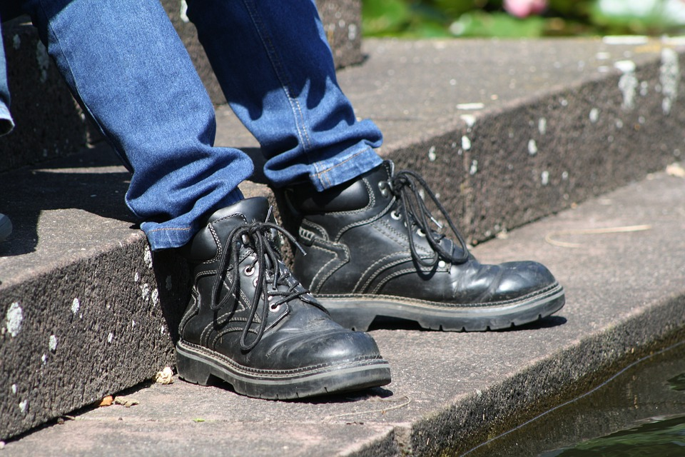 How to Find the Perfect Pair of Work Boots for Your Job