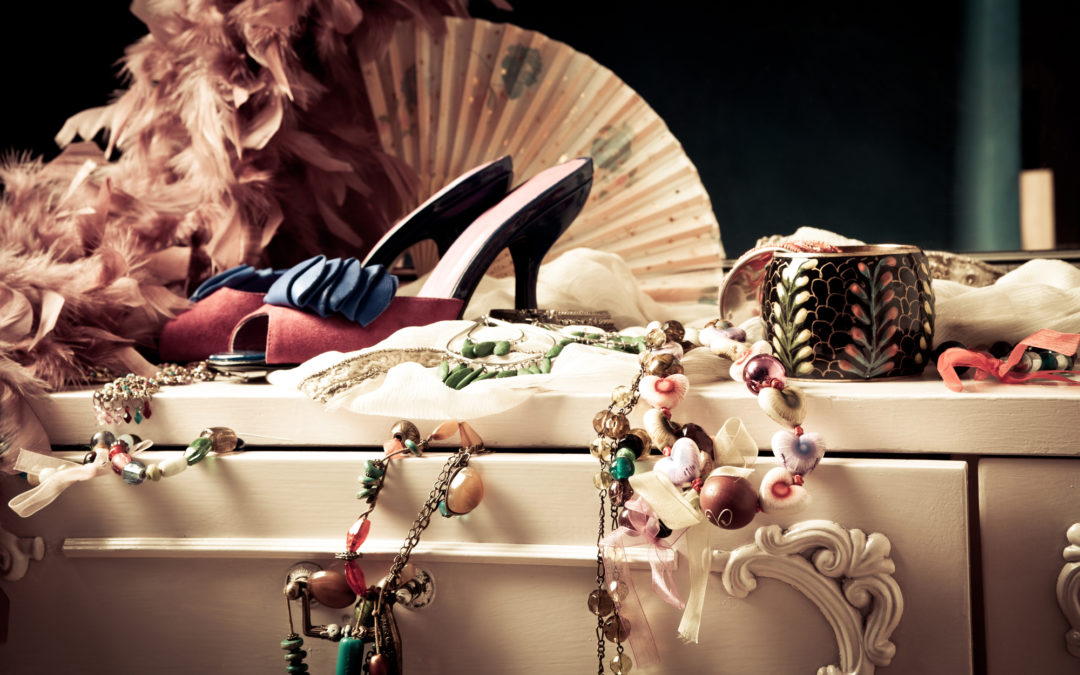 When and How Should You Coordinate Jewelry and Shoes?