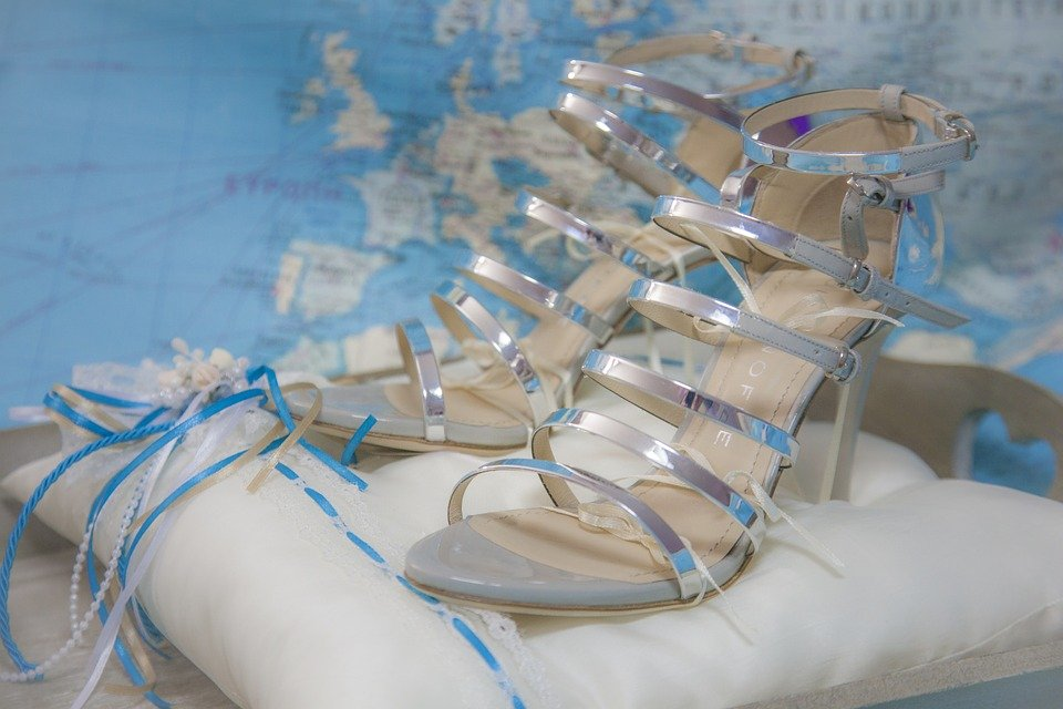 How to Choose the Perfect Shoe as the Mother of The Bride