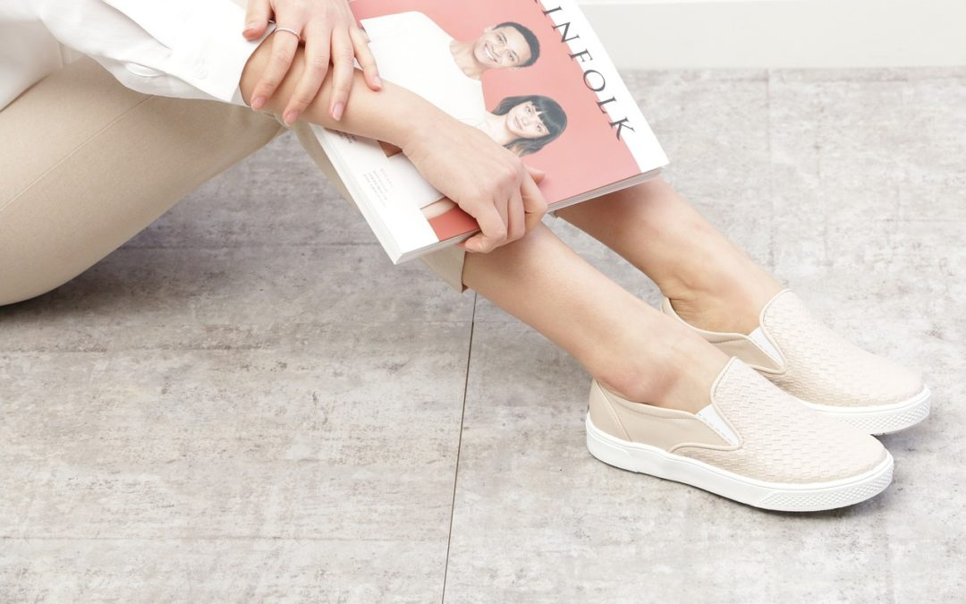 How to Wear Slip On Sneakers Like a Queen